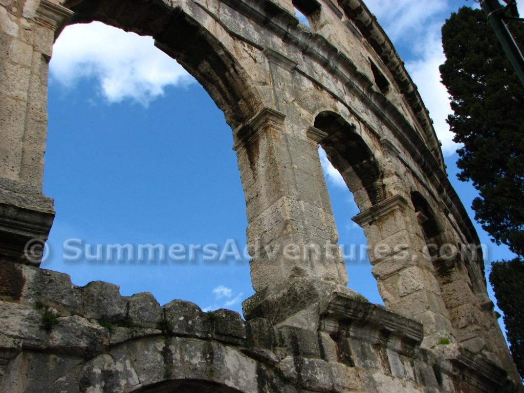 Window in croaitian colosseum